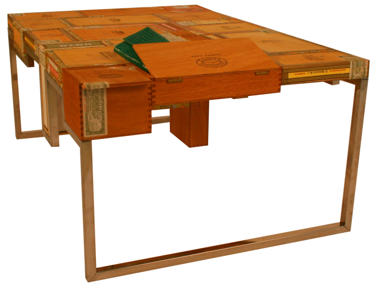 Habana Coffee Table open
